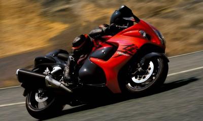 時速300km/hオーバー!スズキのバイク「隼(ハヤブサ)」とは