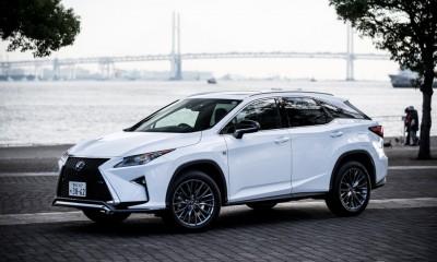 街乗りが似合う高級SUV!新型レクサスRXの魅力とは?