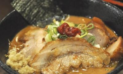 大阪・西中島でカリスマ的な個性派ラーメンを食いまくれ!【こってり編】