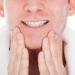顔の乾燥にご用心!カサカサを防ぐ秋のメンズスキンケアのポイント